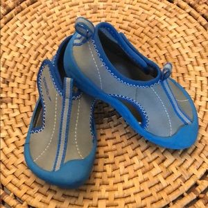 Speedo water Shoes size M 7/8